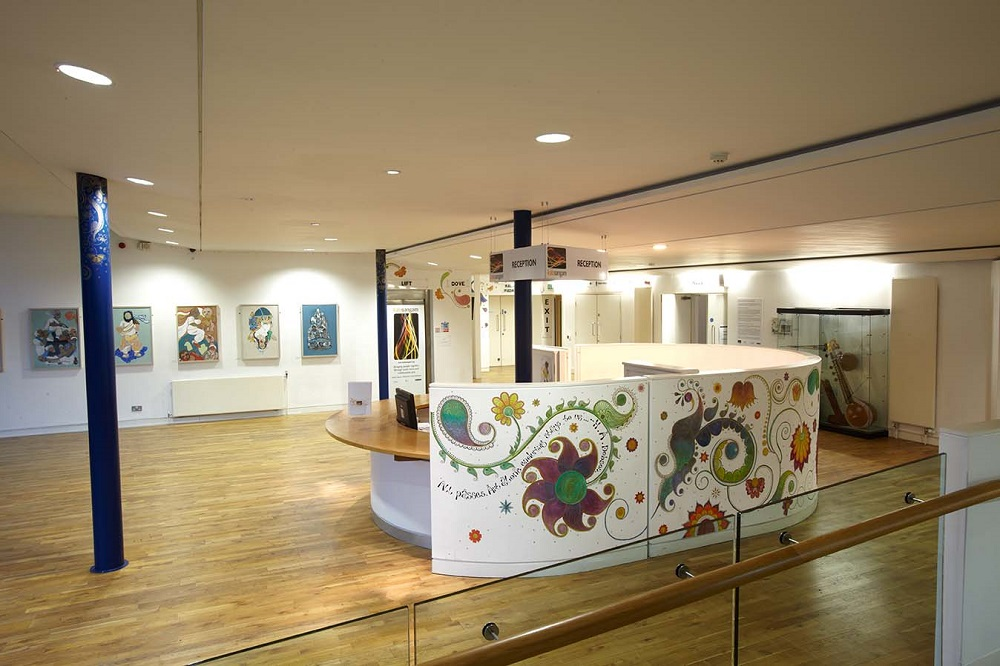 Foyer & Gallery